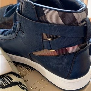 Burberry Shoes - Burberry Hi sneakers 39